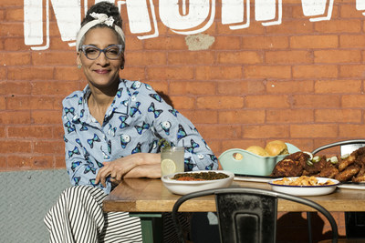 Simplr announces celebrity chef, Emmy-winning TV personality and motivational speaker Carla Hall will keynote MOMENTOUS 2021, a virtual CX conference taking place April 6-8, 2021.