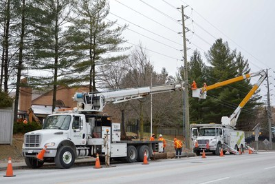 Alectra crews at the ready to respond to any potential outages (CNW Group/Alectra Utilities Corporation)