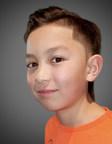 """Aiden Hepburn, 12 ans, décroche son emploi de rêve en tant que nouveau président-divertissement général de Toys""""R""""Us Canada!"""