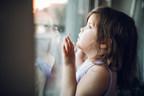 在过去一年的大部分时间里,至少有七分之一的儿童生活在家中,这使他们的心理健康和福祉面临风险