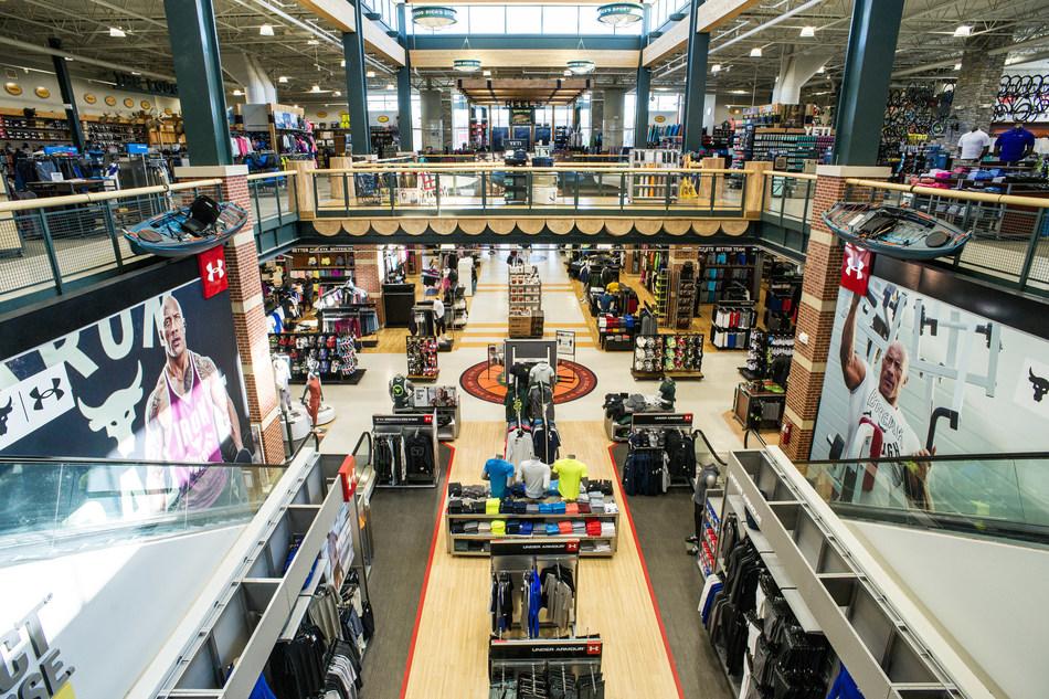 (PRNewsfoto/DICK'S Sporting Goods, Inc.)