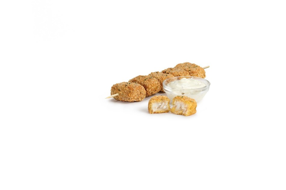 7-Eleven, Inc. stores caught a tasty new snack just in time for Spring – Wild Alaskan Pollock Fish Bites. The limited-edition offering includes five bite-sized morsels of herb panko-crusted Alaskan pollock filets served on a skewer with a side of tartar sauce for dipping.