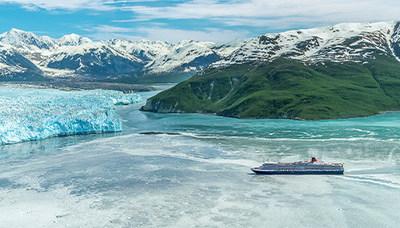 Cunard's Queen Elizabeth sailing to Hubbard Glacier in Alaska