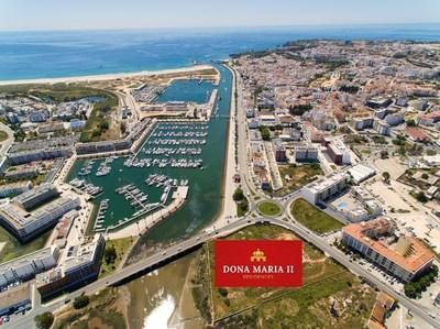 A Ideal Homes International possui uma série de propriedades em Portugal, incluindo Donna Maria II Residences.  O empreendimento cinco estrelas inclui spa, piscinas coberta e ao ar livre com vista para o mar.