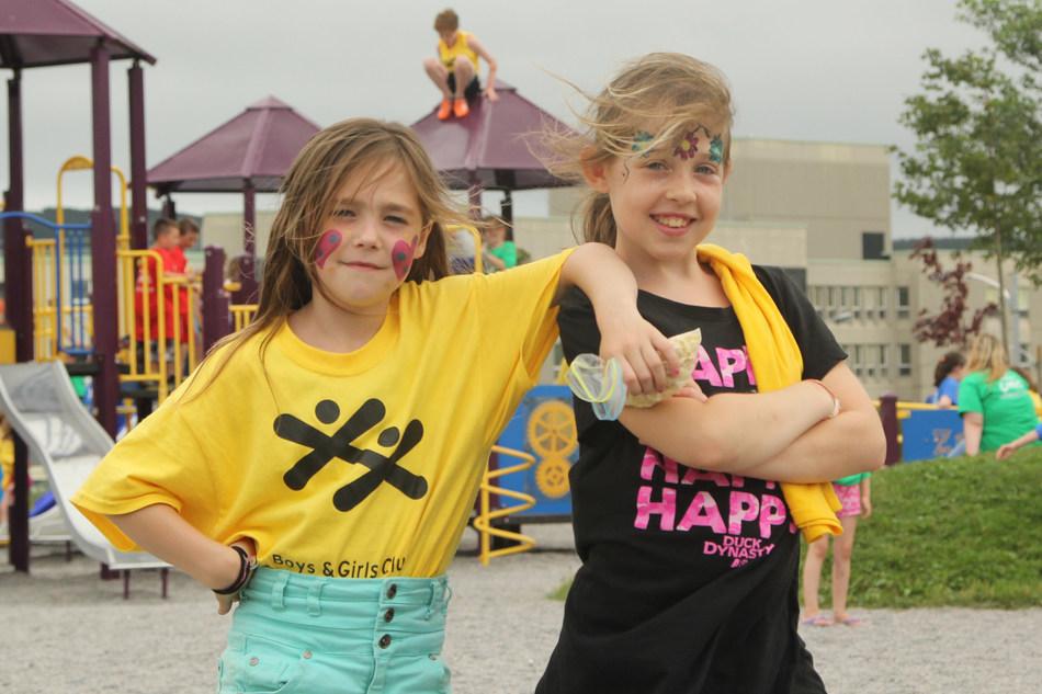 En 2020, la Fondation CST a décerné 5 000 $ au Repaire jeunesse de St. John's, l'un de 30 bénéficiaires de subventions du Projet d'apprentissage (Groupe CNW/Canadian Scholarship Trust Foundation)