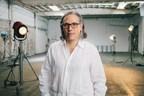 El director de fotografía Rodrigo Prieto recibe el Premio Vilcek en la categoría de producción cinematográfica