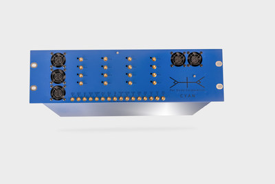 Per Vices Cyan modular SDR platform (CNW Group/Per Vices Corporation)