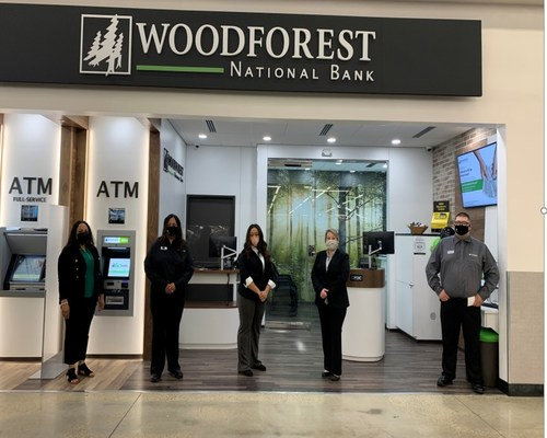 From left, Porchea Brown, Market Manager, Latoya Warren, Retail Banker, Terri Moore, Retail Banker, Jessica Young, Branch Manager, Anthony Stogner, Retail Banker.