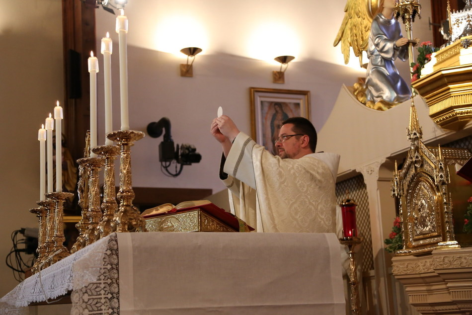 While many dioceses and parishes around the world have had to cancel or place restrictions upon the public celebration of the Mass due to the coronavirus, the EWTN Global Catholic Network continues to broadcast the Mass and other devotions important to Catholics to more than 350 million television households across the globe.