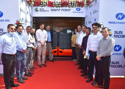 SUN Mobility's SWAP POINT™ in partnership with Tata Power DDL, inaugurated by Jasmine Shah, Vice Chairperson of Dialogue and Development Commission Delhi