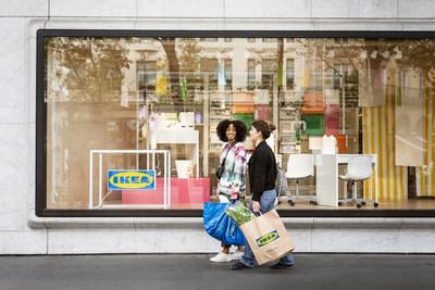 IKEA a ouvert des magasins urbains de format plus petit au niveau mondiale pour rapprocher le magasinage au clients. Sur la photo : IKEA Ville de Paris, la Madeleine (Groupe CNW/IKEA Canada)