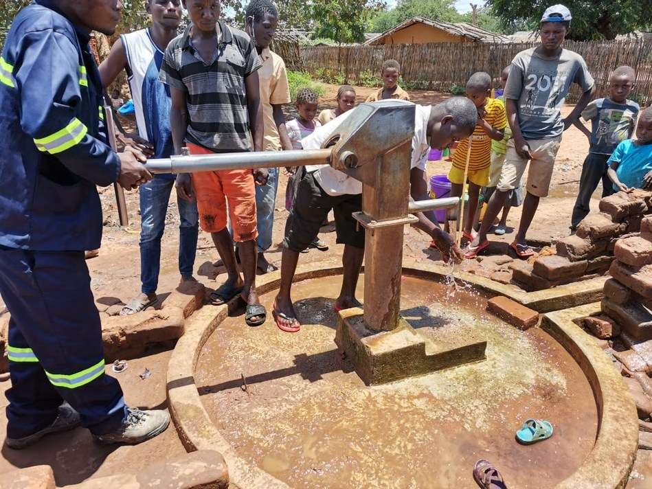 Villagers want to get their lives and livelihoods back on track after devastating climate change impacts and cyclones swept through Mozambique. (PRNewsfoto/Spartan Drilling Services)