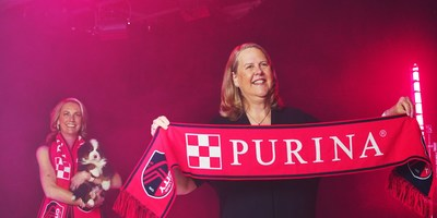 (L-R) Carolyn Kindle Betz, St. Louis CITY SC CEO and Nina Leigh Krueger, Nestlé Purina PetCare CEO & President, announce Purina as St. Louis CITY SC's first founding partner and jersey sponsor on March 31, 2021. (PRNewsfoto/Purina)