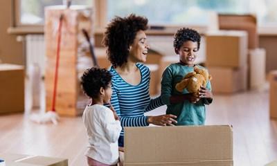 La Canada Vie a lancé aujourd'hui l'assurance vie Ma Temporaire de la Canada Vie(MC), un nouveau produit d'assurance temporaire personnalisable qui permet aux clients de répondre à leurs besoins uniques en choisissant précisément la durée de protection souhaitée, entre 5 et 50 ans. (Groupe CNW/Canada Vie)