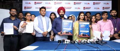 Satnam Singh Sandhu Chancellor Chandigarh University along with the placed students of the 2021 batch showing their campus placement offer letters