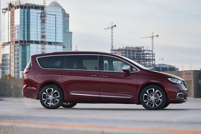Chrysler Pacifica is a PARENTS Best Family Cars 2021 winner, marking the second consecutive year Chrysler Pacifica has been named as a Best Family Cars honoree by PARENTS, the leading source for busy, millennial moms.