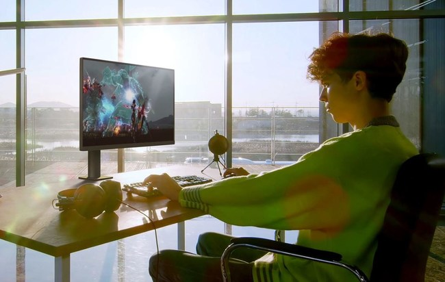 """LG Expands Unique """"Ergo"""" Design Across Ultra Monitor Lineup"""
