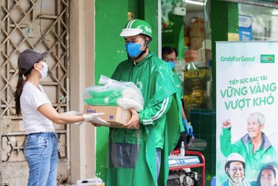 GrabForGood food distribution in Vietnam