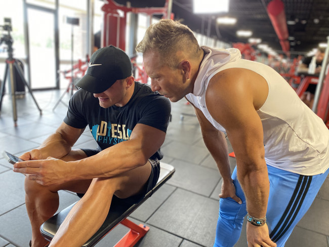Actor Salvador Zerboni joins the inaugural My Diesel Physique Latin America Challenge to motivate and workout alongside challenge participants from across the globe. He is among the many professional athletes, actors and musicians that trust Daniel and Shanda with their health and wellness goals.