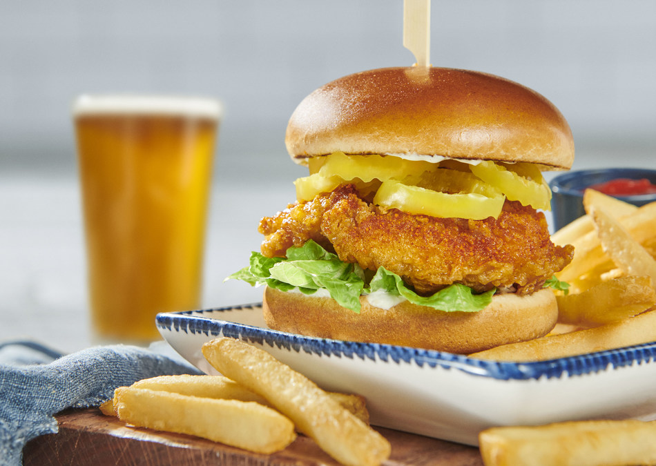 Red Lobster® unveils a crispy, juicy, sweet and spicy NEW! Nashville Hot Chicken Sandwich – perfect for lunch or dinner.