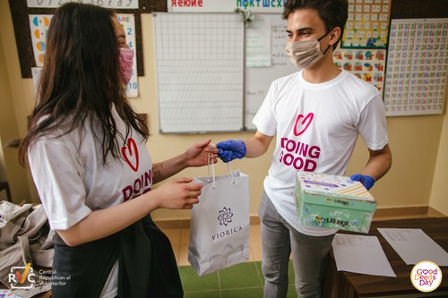 More than 100 countries celebrated Good Deeds Day 2021. Good Deeds Day participants in Moldova preparing giveaway packages for the elderly. (PRNewsfoto/International Good Deeds Day)