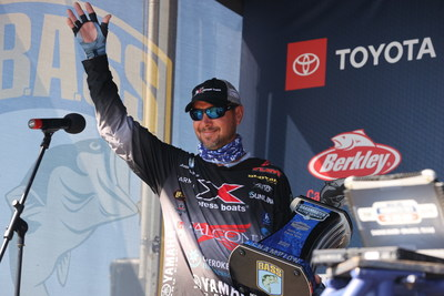 With a four-day total of 43 pounds, 15 ounces, Jason Christie of Park Hill, Okla., has won the 2021 Dovetail Games Bassmaster Elite at Sabine River sponsored by Bassmaster Fishing 2022 – the official video game of B.A.S.S.