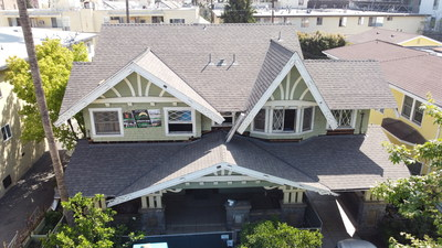 Alexandra House, a community-oriented transitional house and neighborhood center in the Mid-Wilshire neighborhood of Los Angeles, has a new roof featuring IKO's Cambridge® Weatherwood Cool Plus architectural shingles. Photo Courtesy of IKO. (CNW Group/IKO Industries)
