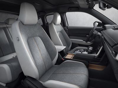 Mazda MX-30 EV interior (CNW Group/Mazda Canada Inc.)