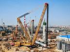Capacité de levage de grue record : La grue sur chenilles XGC88000 de XCMG termine l'installation d'un réacteur d'hydrogénation de 2 600 tonnes en Chine, 10 jours avant l'échéance prévue