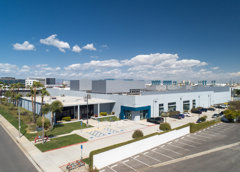 Serverfarm's Los Angeles Data Center (LAX1). Photo by Miller + Miller Architectural Photography.