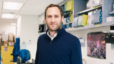 Alex Marson, director of the Gladstone-UCSF Institute of Genomic Immunology, is part of a team of researchers who developed a new technique to map the diversity of individual cells within a tissue or tumor. Photo: Anastasiia Sapon