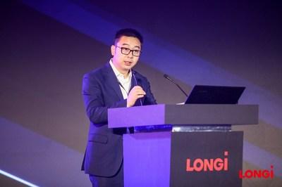 Dennis She, vice-presidente da LONGi Solar (PRNewsfoto/LONGi Solar)