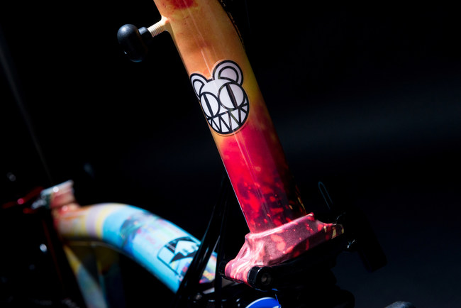 Radiohead is among the top music artists lending a creative touch to Brompton folding bikes. Each custom-designed bike will be auctioned by Greenhouse Auctions May 28 through June 12, 2021, to raise money for Crew Nation, a global relief fund benefitting music tour crews impacted by the global pause on music tours due to COVID-19.