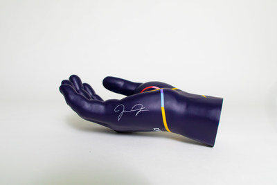 The Expedia Helping Hand is an exact replica of Joe Jonas's right hand, complete with his signature