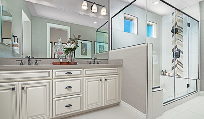 Richmond American's Sienna floor plan, showcasing a deluxe owner's bath. Modeled at Revere at Independence in Lincoln, CA.