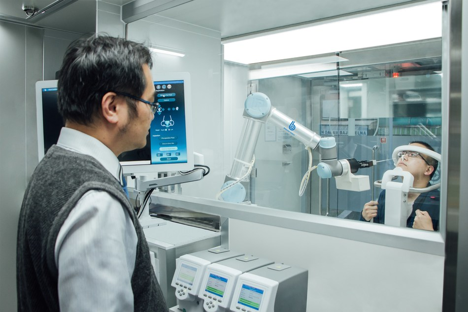 Zero-Contact Medical Station, the robotic technology for COVID-19 testing, innovated by Brain Navi Biotechnology from Taiwan.