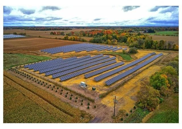 Community Solar Garden, Lindstrom, MN
