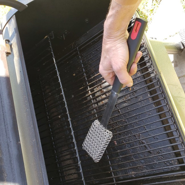 BBQ Dragon's Chainmail Grill Brush Cleans Safer and Lasts Longer
