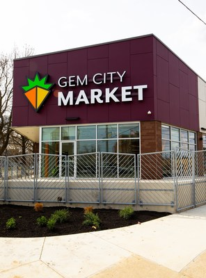GEM City Market, a community food cooperative in Dayton, OH, received a donation of Opteon XP10 for its long-term cooling solution.