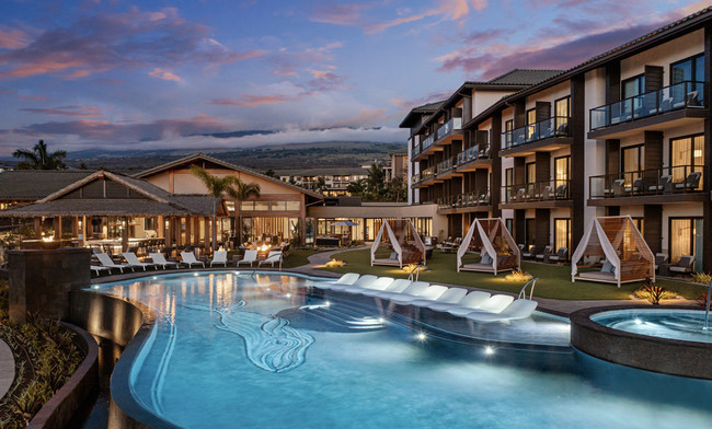 Infinity-Edge Pool at AC Hotel by Marriott Maui Wailea.