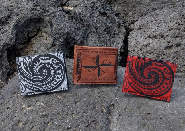 The focus of Polynesian tattoo artist Sulu'ape Si'i Liufau's wallet art is a fish hook and the Samoan navigational mana lua pattern. He combined traditional Samoan motifs to create a design that speaks of strength and reaching your hopes, dreams, and goals. He also included the practical matters of the wearer's path to earn money, and hold on to your money. The tattoo art is applied to a leather wallet offered by NA KOA Leather