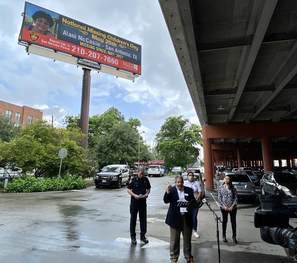 Photo of missing teen Alani McCaslin will be displayed on digital billboards across the San Antonio region.