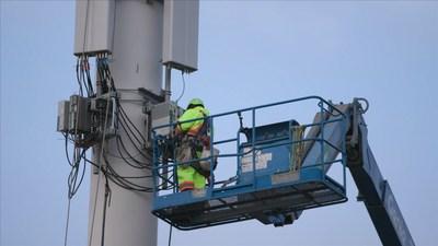 Installation du réseau 5G de Bell (Groupe CNW/Bell Canada)