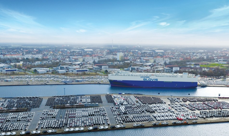 Hyundai Glovis PCTC at the port of Bremerhaven in Germany