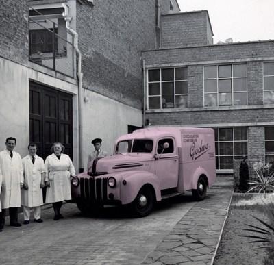 GODIVA's Original Pink Truck