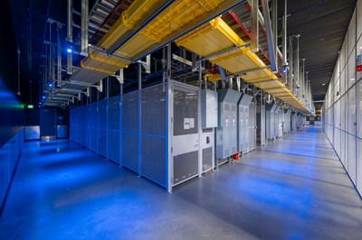 Equinix SV11 IBX data center interior