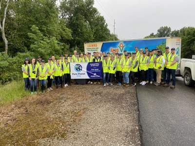 PureCycle leadership, team members and interns collect plastic waste as part of first-ever Pure Planet Day.