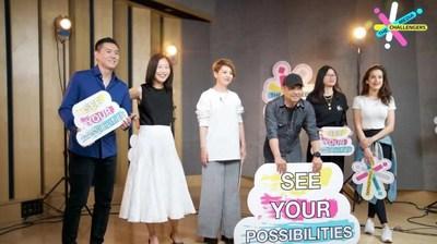 Os apresentadores da CGTN [da esquerda para a direita] Wang Guan, Kui Yingchun, Tian Wei, Ji Xiaojun, Zhou Heyang, Eva May. /CGTN) (PRNewsfoto/CGTN)