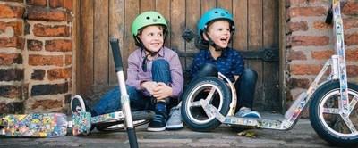 LIFERYDER – boys having fun.