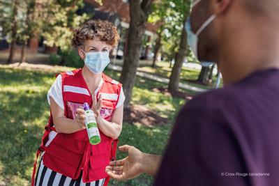 L'Oréal Canada et Garnier Canada font don de gels désinfectants pour les mains pour soutenir l'opération de sensibilisation à la vaccination dans le Grand Montréal (Groupe CNW/L'Oréal Canada Inc.)